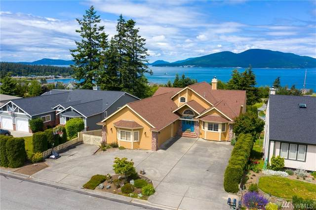 4211 Glasgow Wy, Anacortes, WA 98221 (#1610705) :: Better Homes and Gardens Real Estate McKenzie Group