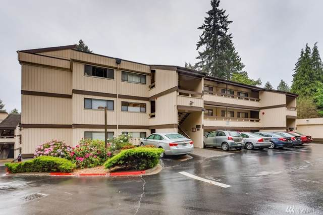 13741 15th Ave NE C-10, Seattle, WA 98125 (#1610940) :: Capstone Ventures Inc