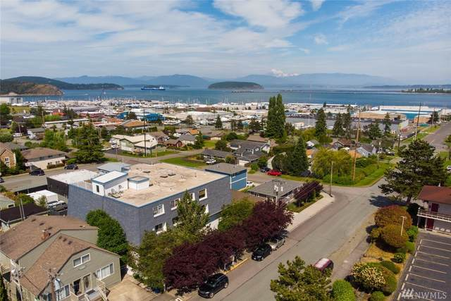 910 34th St #203, Anacortes, WA 98221 (#1611638) :: Alchemy Real Estate