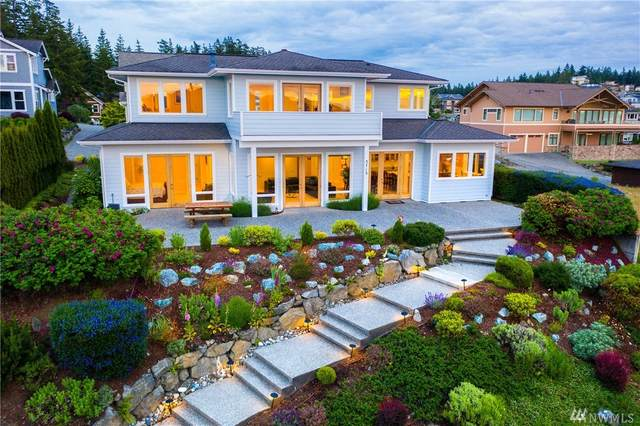 3713 W 10th, Anacortes, WA 98221 (#1611640) :: Alchemy Real Estate