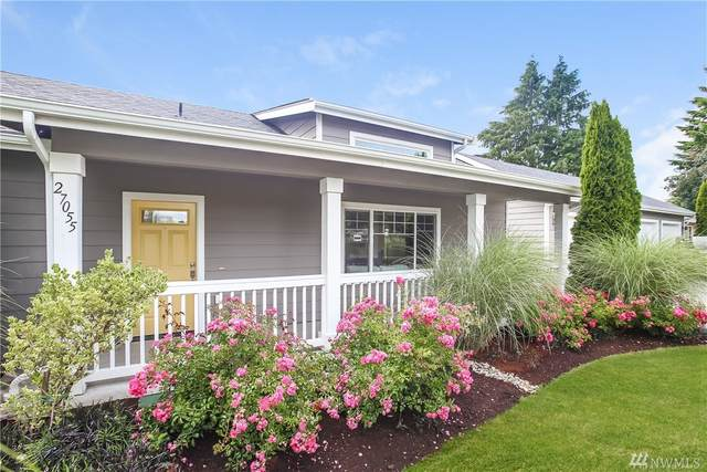 27055 16th Ave S, Des Moines, WA 98198 (#1612412) :: Real Estate Solutions Group