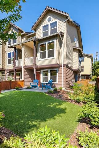 4438 44th Ave SW D, Seattle, WA 98116 (#1613160) :: Northern Key Team