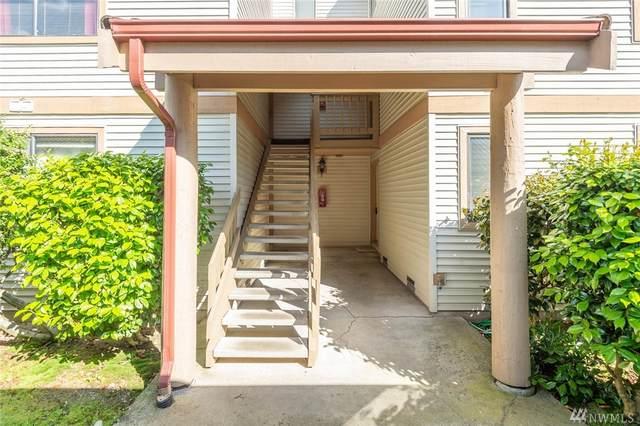 17404 119th Lane SE H2, Renton, WA 98058 (#1616061) :: Ben Kinney Real Estate Team