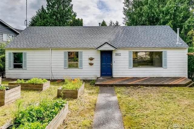 10220 38th Ave SW, Seattle, WA 98146 (#1617446) :: Canterwood Real Estate Team