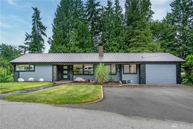 3212 NE 167th St, Lake Forest Park, WA 98155 (#1618918) :: Ben Kinney Real Estate Team