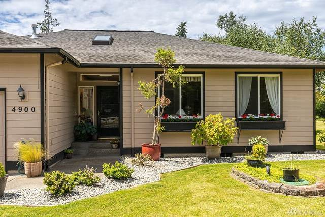 4900 Spinnaker Dr, Freeland, WA 98249 (#1619244) :: Alchemy Real Estate