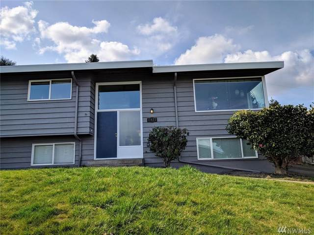 11823 82nd Ave S, Seattle, WA 98178 (#1619633) :: The Kendra Todd Group at Keller Williams