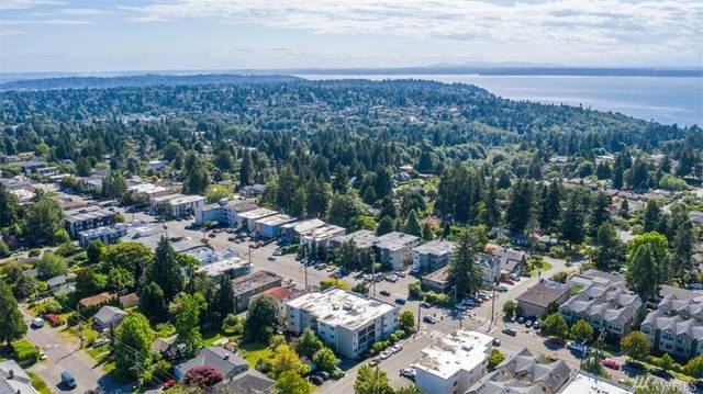 11556 N Greenwood Ave #203, Seattle, WA 98133 (#1619884) :: Real Estate Solutions Group