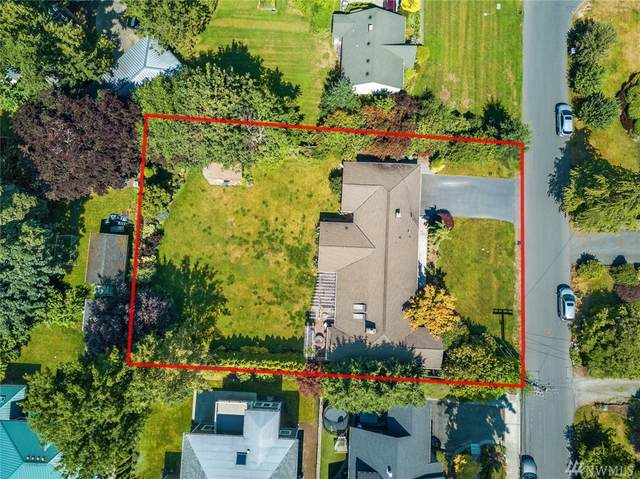 815 18th Ave W, Kirkland, WA 98033 (#1620039) :: Northern Key Team