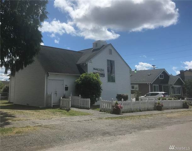 3824 S 11th St, Tacoma, WA 98405 (#1620456) :: Ben Kinney Real Estate Team
