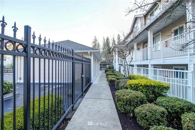 7031 196 Street SW B205, Lynnwood, WA 98036 (#1621066) :: NextHome South Sound