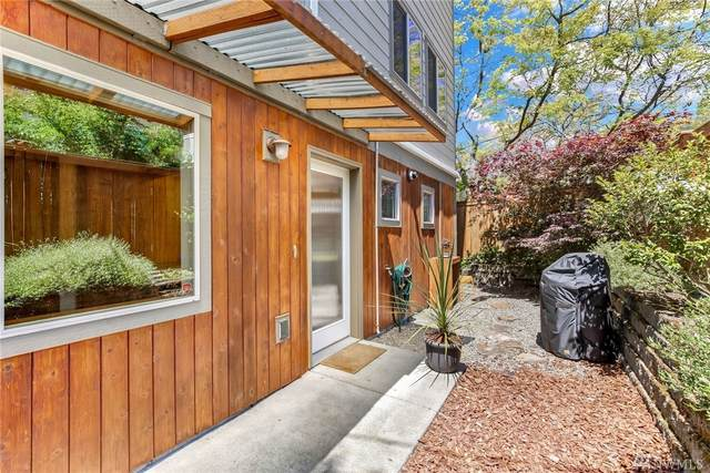 3723 60th Ave SW, Seattle, WA 98116 (#1621423) :: Engel & Völkers Federal Way