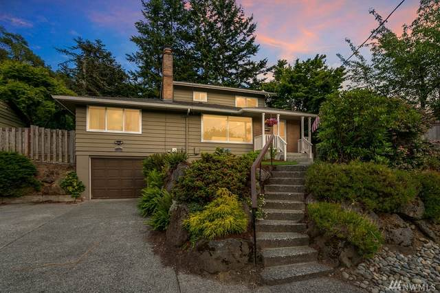 11424 30th Place SW, Burien, WA 98146 (#1621609) :: The Kendra Todd Group at Keller Williams