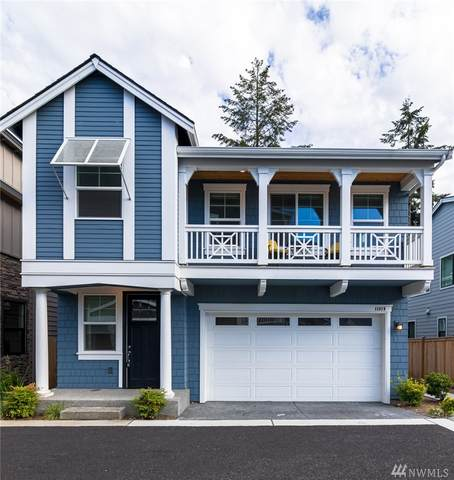 11819 NE 70th Lane #6, Kirkland, WA 98033 (#1621882) :: The Kendra Todd Group at Keller Williams