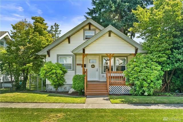 2525 S L St, Tacoma, WA 98405 (#1621883) :: Ben Kinney Real Estate Team