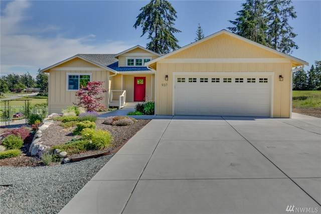 937 Walker Heights Place, Oak Harbor, WA 98277 (#1621931) :: The Kendra Todd Group at Keller Williams