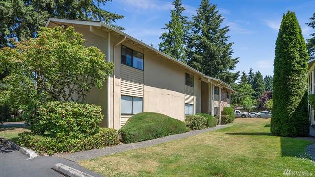 1600 149th Place SE #2, Bellevue, WA 98007 (#1621982) :: Real Estate Solutions Group