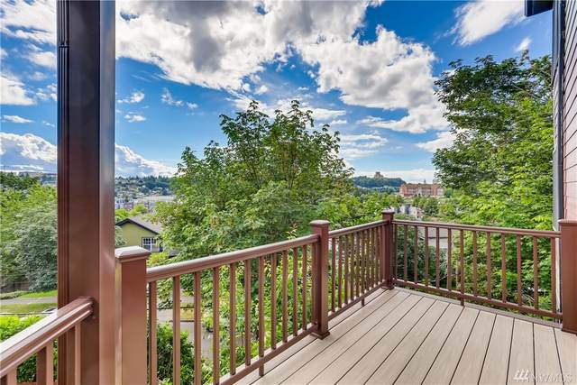 1736 28th Ave S, Seattle, WA 98144 (#1622160) :: The Kendra Todd Group at Keller Williams