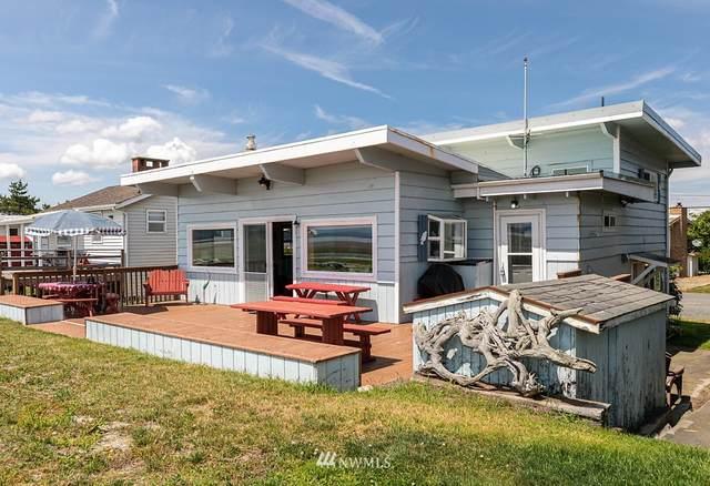 2590 E Sunlight Beach Road, Clinton, WA 98236 (#1622905) :: Ben Kinney Real Estate Team