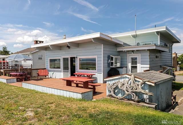 2590 E Sunlight Beach Rd, Clinton, WA 98236 (#1622905) :: Alchemy Real Estate