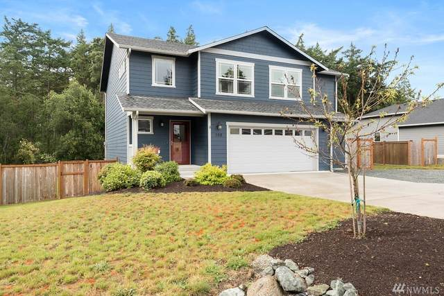 988 Walker Heights Place, Oak Harbor, WA 98277 (#1622944) :: Northern Key Team