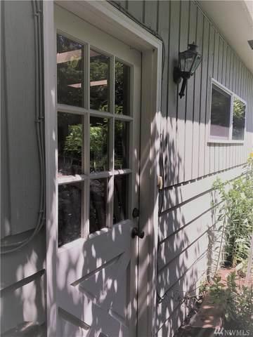 12044 14 Ave NE, Seattle, WA 98125 (#1622963) :: Ben Kinney Real Estate Team