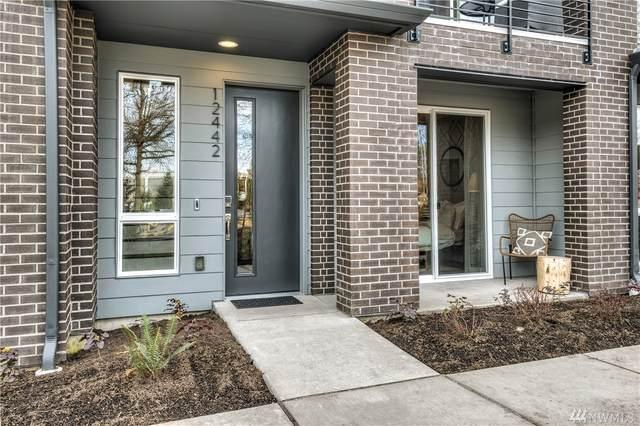 12431 NE 10th Lane D6, Bellevue, WA 98005 (#1623511) :: Ben Kinney Real Estate Team
