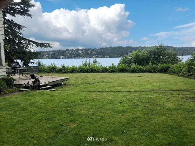 15327 Beach Drive NE, Lake Forest Park, WA 98155 (#1623706) :: The Shiflett Group