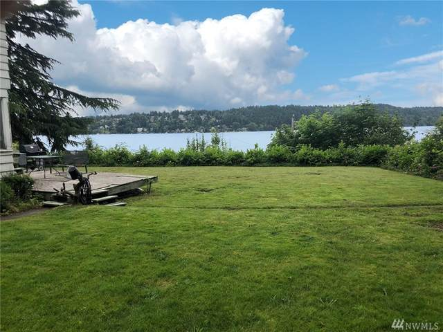 15327 Beach Drive NE, Lake Forest Park, WA 98155 (#1623706) :: Capstone Ventures Inc