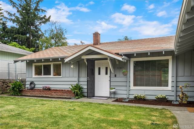 12017 68th Ave S, Seattle, WA 98178 (#1624027) :: The Kendra Todd Group at Keller Williams