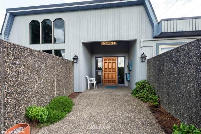 743 Marine View Drive #8, Longview, WA 98632 (#1624150) :: Engel & Völkers Federal Way