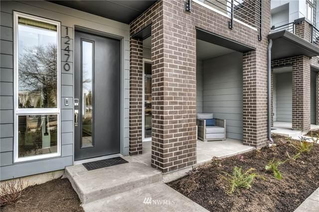 12453 NE 10th Lane D4, Bellevue, WA 98005 (#1624483) :: Shook Home Group