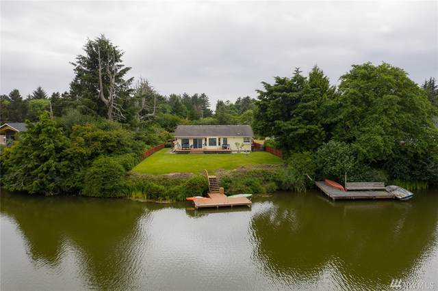 526 Sunset Ave NE, Ocean Shores, WA 98569 (#1625043) :: The Kendra Todd Group at Keller Williams