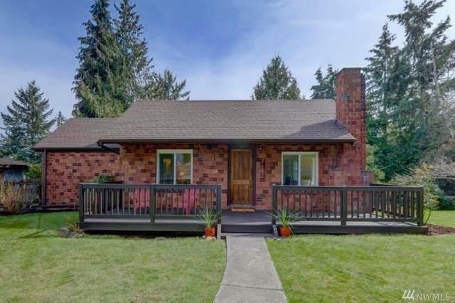 12530 20th Ave NE A, Seattle, WA 98125 (#1625162) :: Ben Kinney Real Estate Team