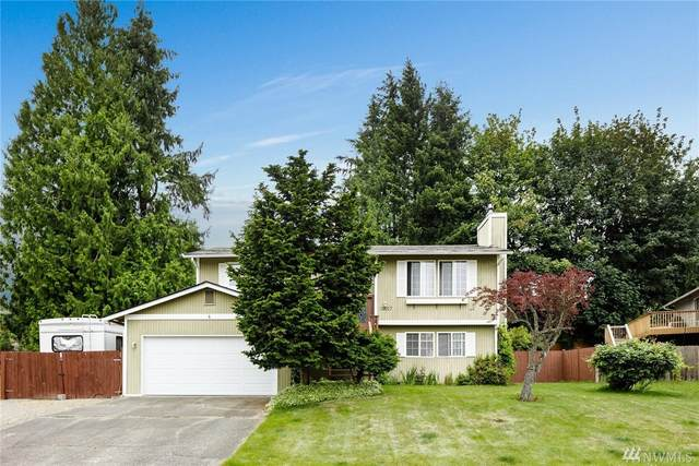 12017 24th Place NE, Lake Stevens, WA 98258 (#1625259) :: KW North Seattle