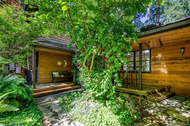 15415 Sunrise Dr NE, Bainbridge Island, WA 98110 (#1625426) :: Pickett Street Properties