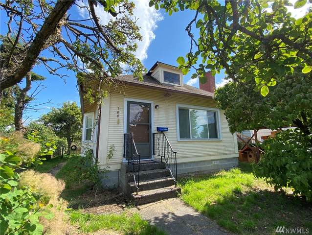 708 E 35TH St, Tacoma, WA 98404 (#1626004) :: Ben Kinney Real Estate Team