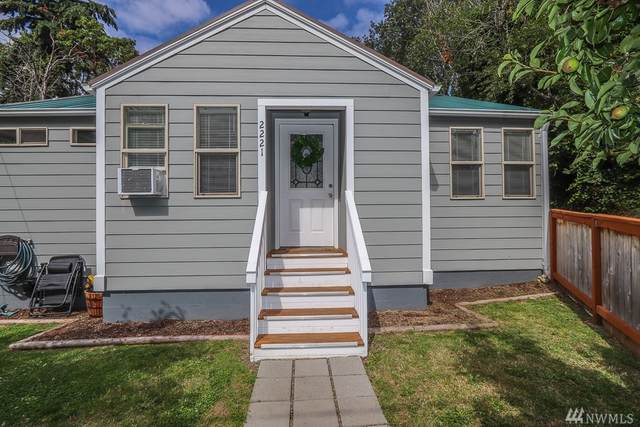 2221 Soundview Ave NE, Bremerton, WA 98310 (#1626551) :: Canterwood Real Estate Team
