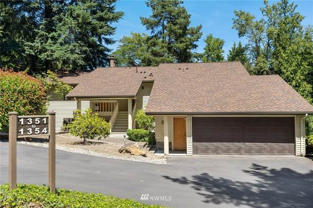 1351 Bellefield Park Lane #1351, Bellevue, WA 98004 (#1626599) :: NextHome South Sound