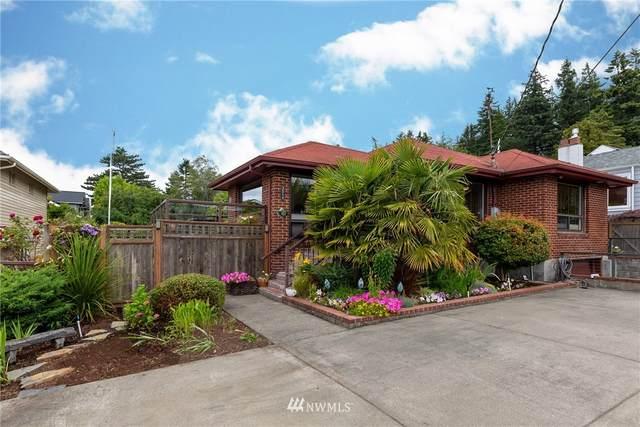 3514 SW 171st Street, Burien, WA 98166 (#1627604) :: Mike & Sandi Nelson Real Estate