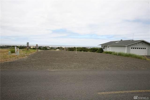 32701 J Place, Ocean Park, WA 98640 (#1628631) :: Ben Kinney Real Estate Team