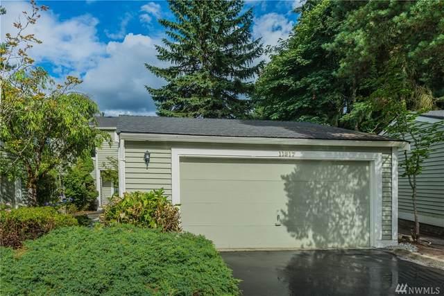 11817 NE 105th Lane, Kirkland, WA 98033 (#1628900) :: McAuley Homes