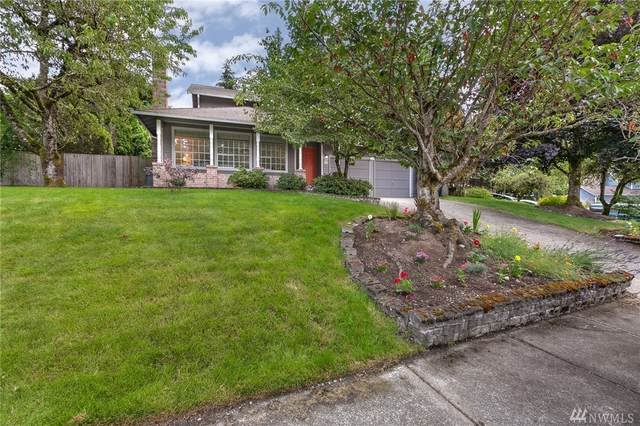 17717 NE 137th Ct, Redmond, WA 98052 (#1629260) :: Ben Kinney Real Estate Team