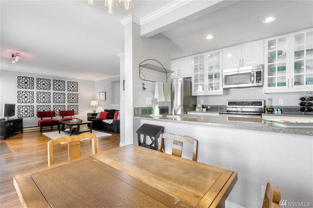 12635 NE 130th Wy A-203, Kirkland, WA 98034 (#1629698) :: Tribeca NW Real Estate