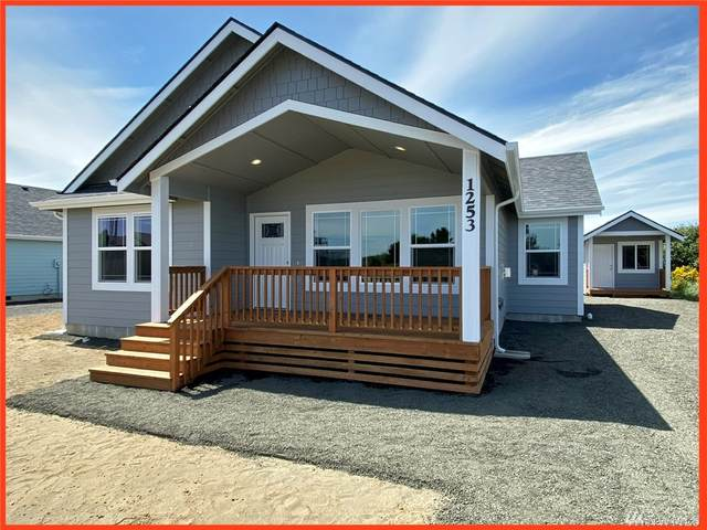 913 Ocean Shores Blvd SW, Ocean Shores, WA 98569 (#1630061) :: Keller Williams Realty