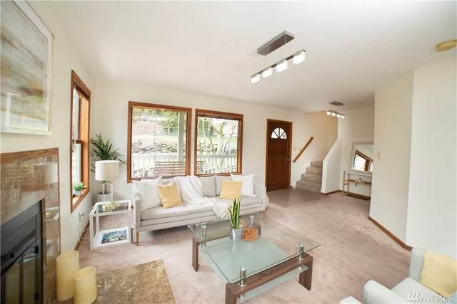 6030 35th Ave NE, Seattle, WA 98115 (#1630348) :: Ben Kinney Real Estate Team