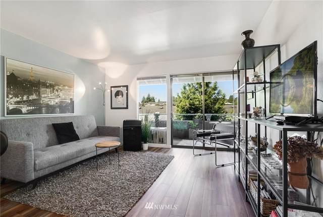922 100th Avenue NE #224, Bellevue, WA 98004 (#1630574) :: Ben Kinney Real Estate Team