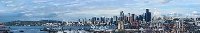 2070 SW Charlestown Street, Seattle, WA 98106 (#1631046) :: NextHome South Sound