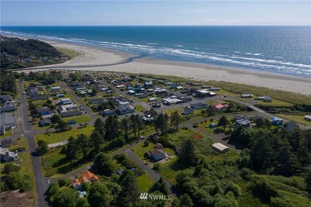 48 Railroad Avenue, Pacific Beach, WA 98571 (#1632774) :: Hauer Home Team