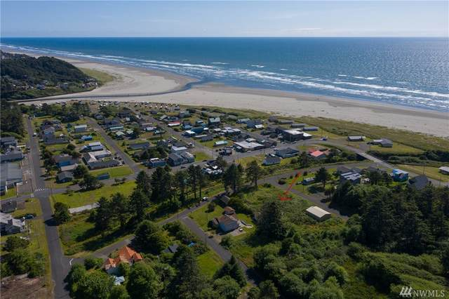 48 Railroad Avenue, Pacific Beach, WA 98571 (#1632774) :: Capstone Ventures Inc